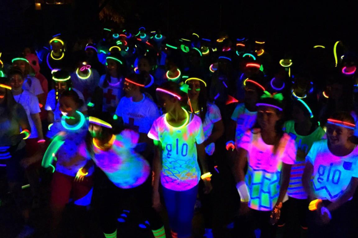 Bertrand Russell College Schoolfeest B1 En B2 Glow In The